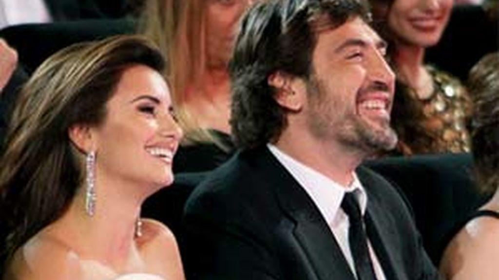 Pé y Javier durante los premios Goya. Foto EFE