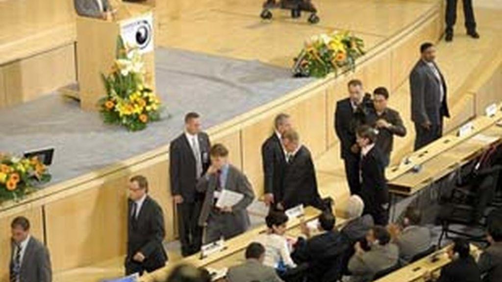 Delegados de la Unión Europea abandonan la sala durante el discurso del presidente de Irán, Mahmud Ahmadineyad. Foto: EFE.