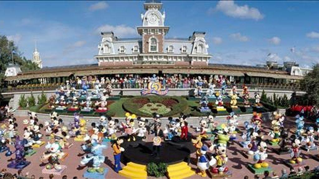 Las princesas de Disney han sido el espejo en el que mirarse para millones de niñas y adolescentes desde que Blancanieves apareciera en la gran pantalla por primera vez, en 1937. EFE/Archivo