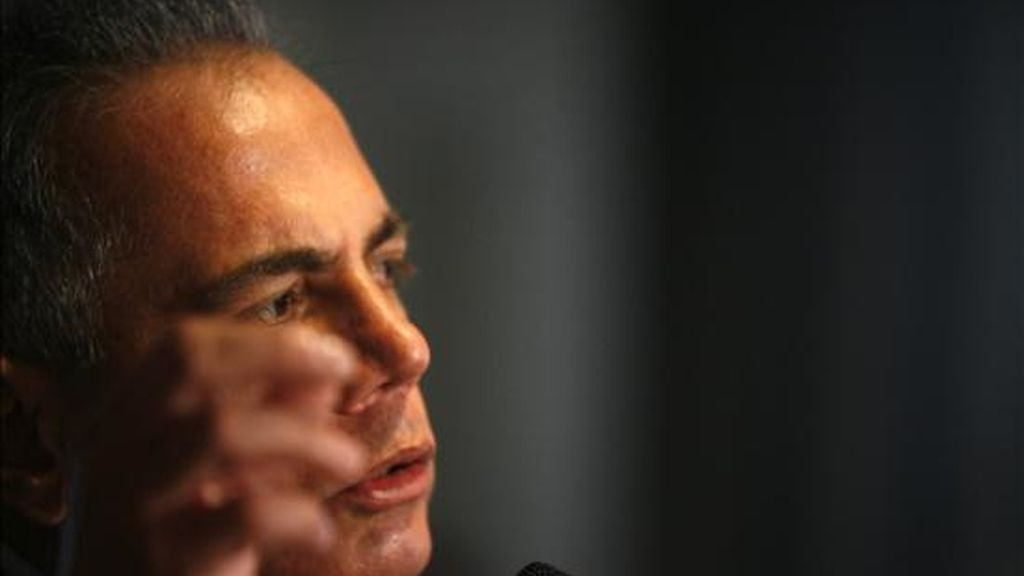 """Se acusa al líder opositor y alcalde de Maracaibo, Manuel Rosales, de """"pretender utilizar la ley para evadir la Justicia"""". EFE/Archivo"""