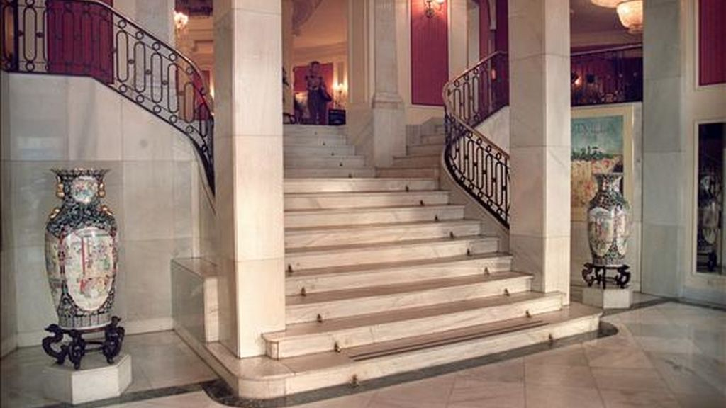 Interior del Hotel Colón de Sevilla, conocido popularmente como el hotel de los toreros, antes de su remodelación en 1998. EFE/Archivo