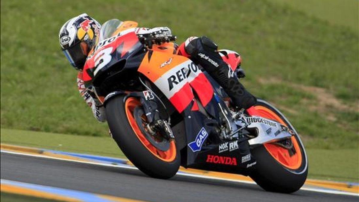 El piloto español de Honda, Dani Pedrosa, en acción durante un entrenamientos oficiales. EFE/Archivo