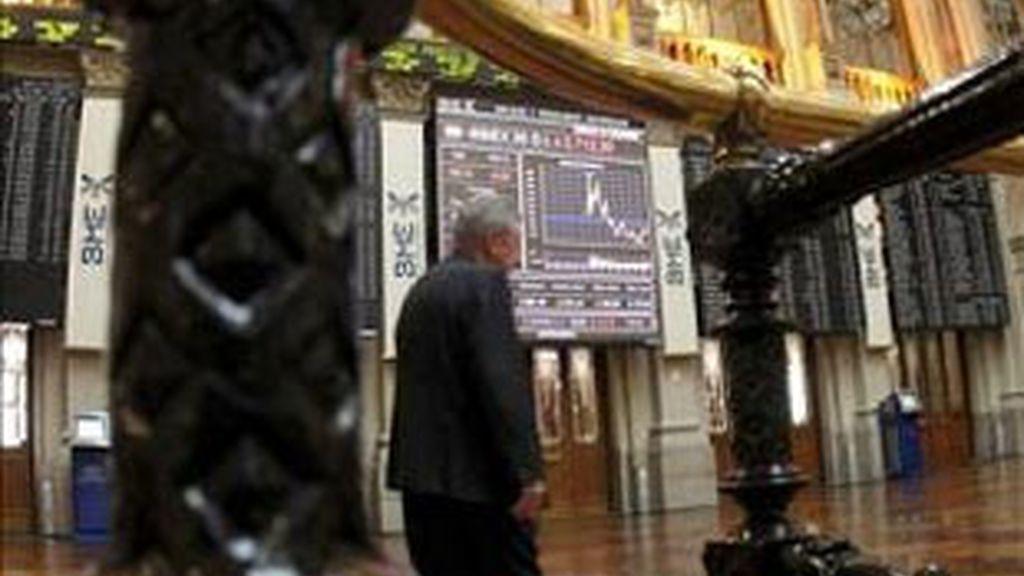La Bolsa española sigue sin abandonar el signo negativo. Vídeo: Informativos Telecinco.