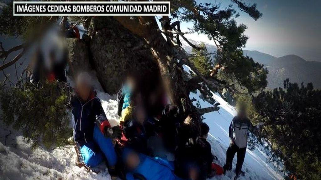 Así fue el rescate a 70 niños atrapados en una enorme placa de hielo