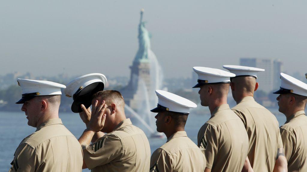 Cientos de Marines distribuyen fotografías de sus compañeras desnudas