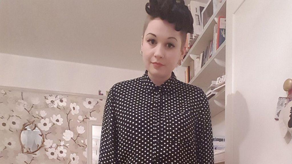 Rosie Reilly, rechazada de un trabajo por su ropa
