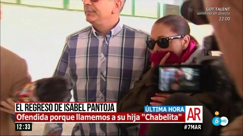 """Isabel Pantoja, ofendida por llamar a su hija 'Chabelita': """"Se llama Isabel"""""""