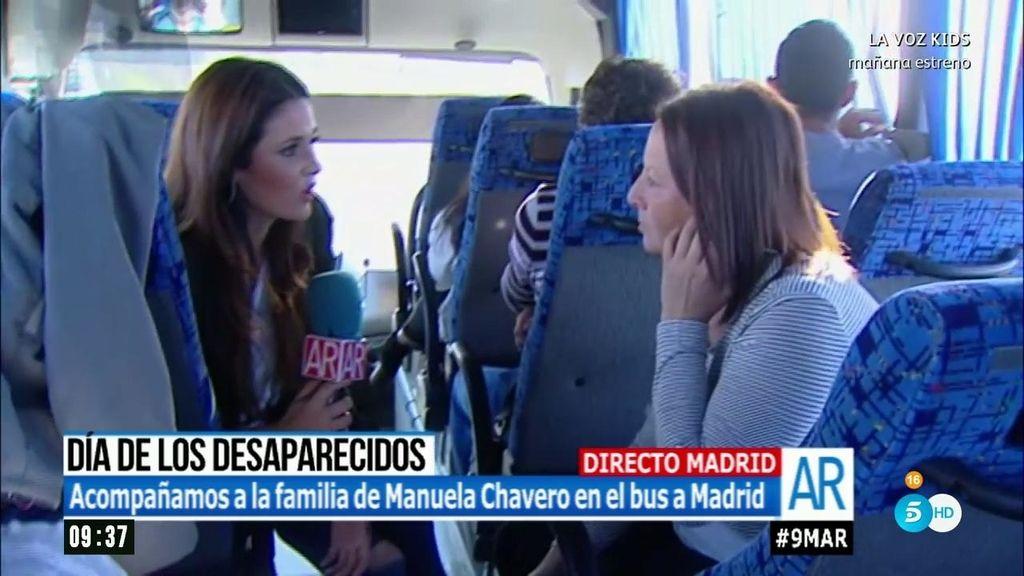 'AR' acompaña a Emilia Chavero en el bus hacia la manifestación por los desaparecidos