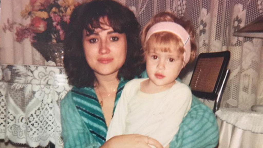 Esmeralda Moya y su mujer de referencia, su madre