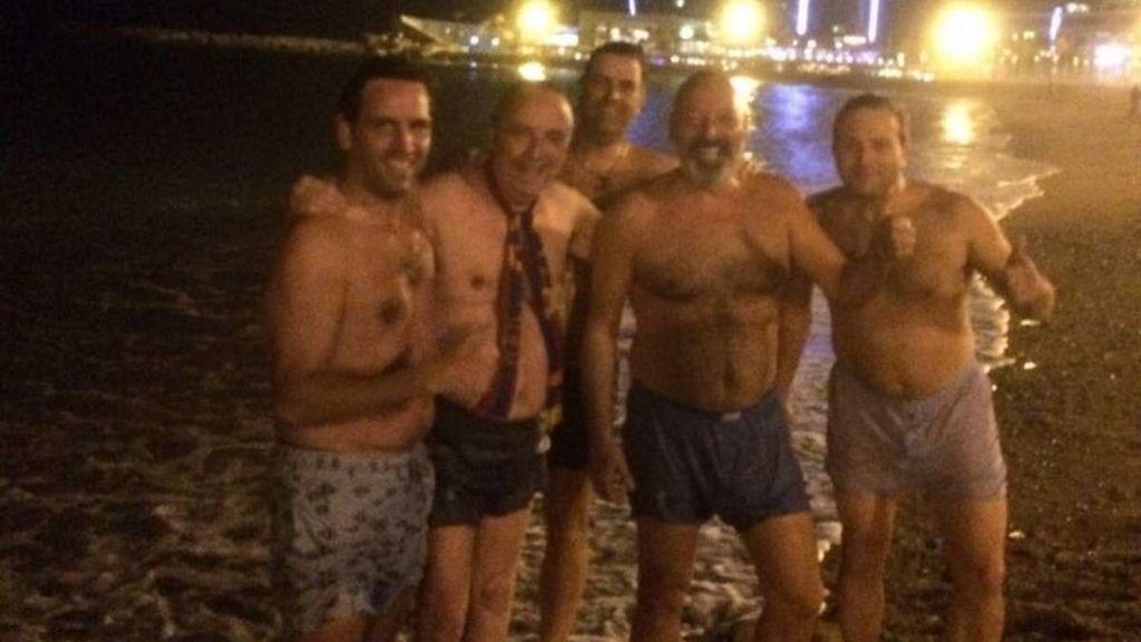 Gaspart se baña en la Barceloneta