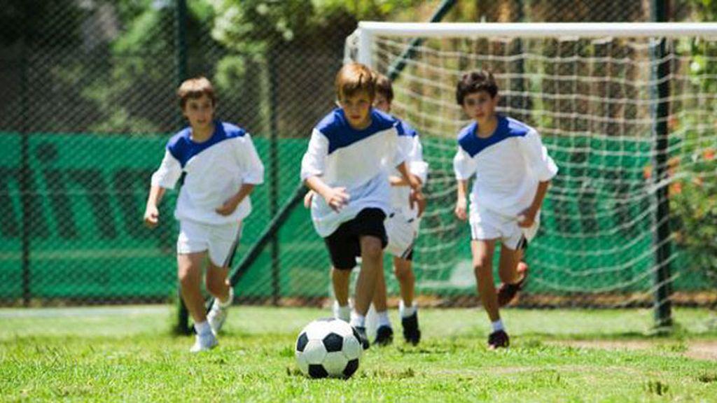 niños, fútbol,
