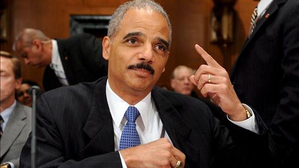 El secretario de Justicia de EE.UU., Eric Holder, Holder acudió al Comité Judicial del Senado para explicar los planes del Departamento de Justicia, entre ellos el cierre de Guantánamo. EFE/Archivo