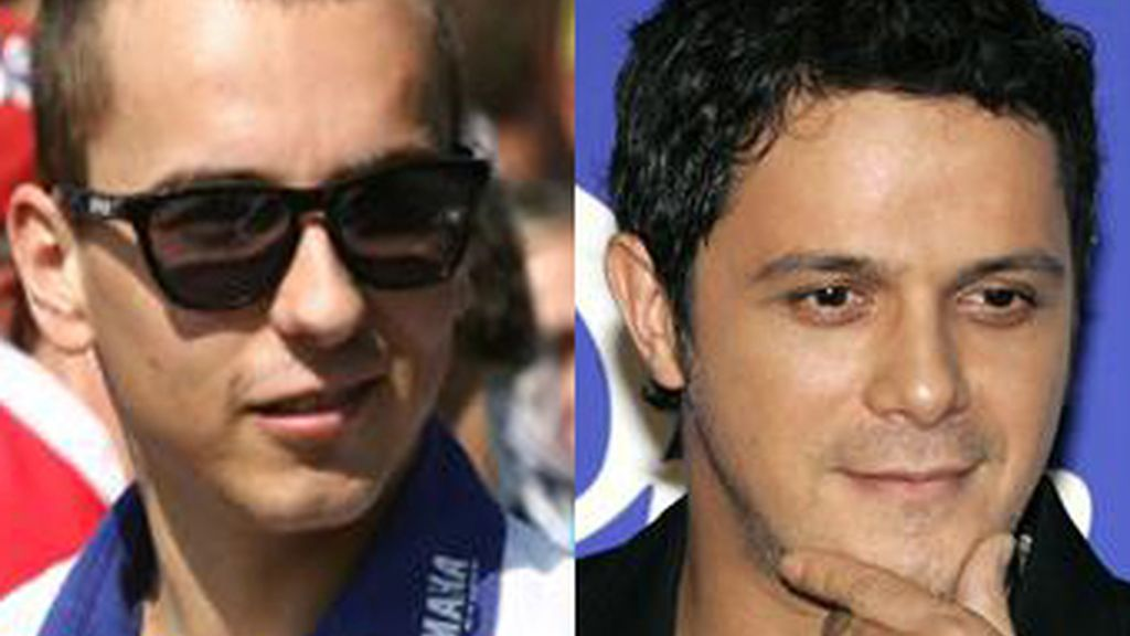 Sanz y Jorge Lorenzo han discutido en Twitter a causa de la camiseta de la selección española.