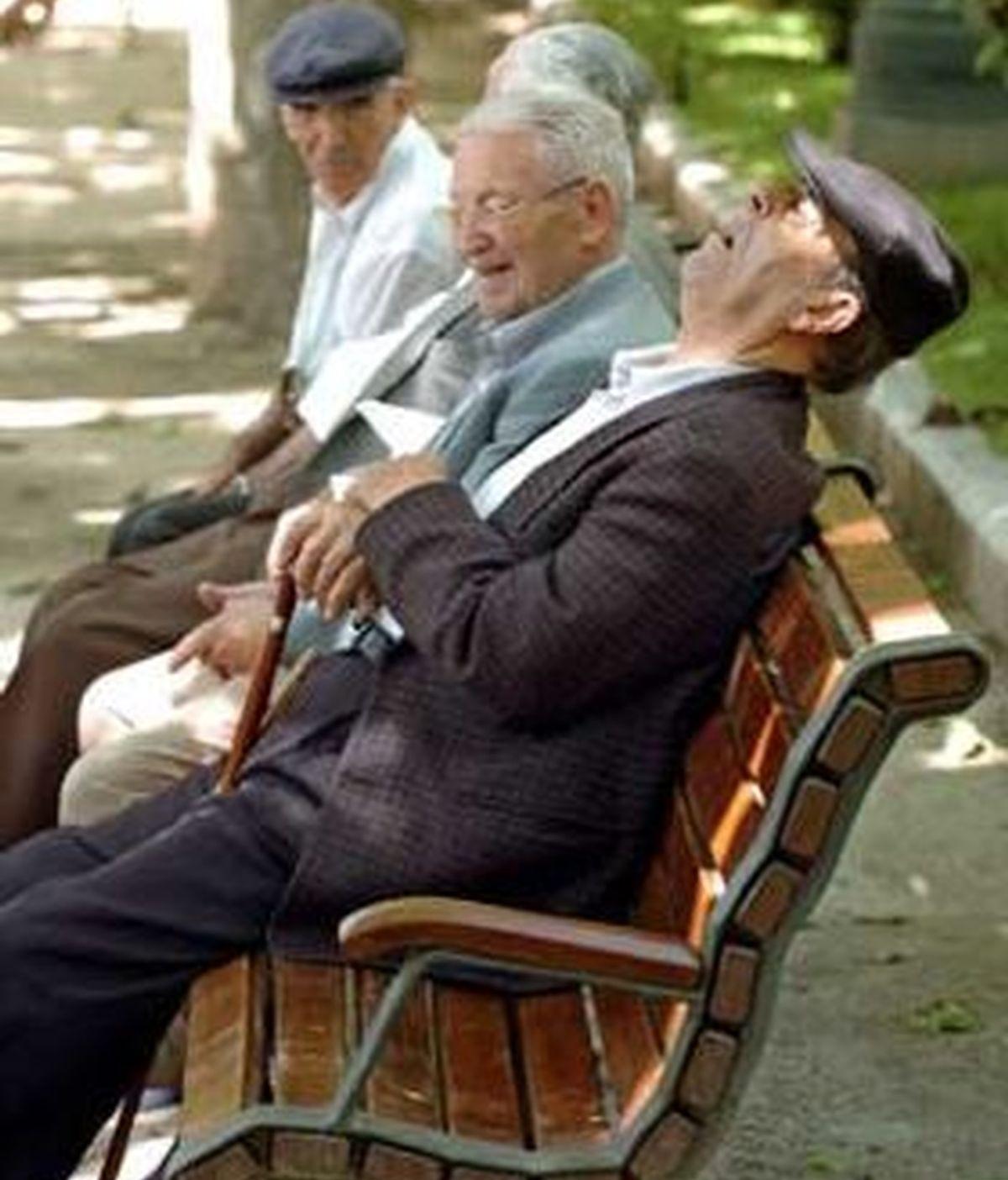 La UE ha propuesto elevar a 70 años la edad mínima de jubilación en los 27 países de la Unión Europea para garantizar el sistema de pensiones. Foto EFE