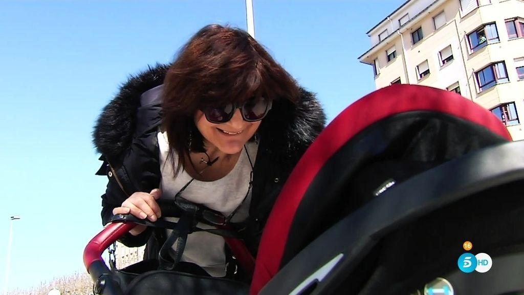 """Lina Álvarez, madre a los 63, frente a las críticas: """"No me siento egoísta"""""""