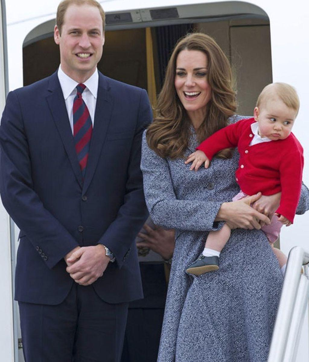 Un hermano para George: ¡Kate Middleton será mamá por segunda vez en primavera!