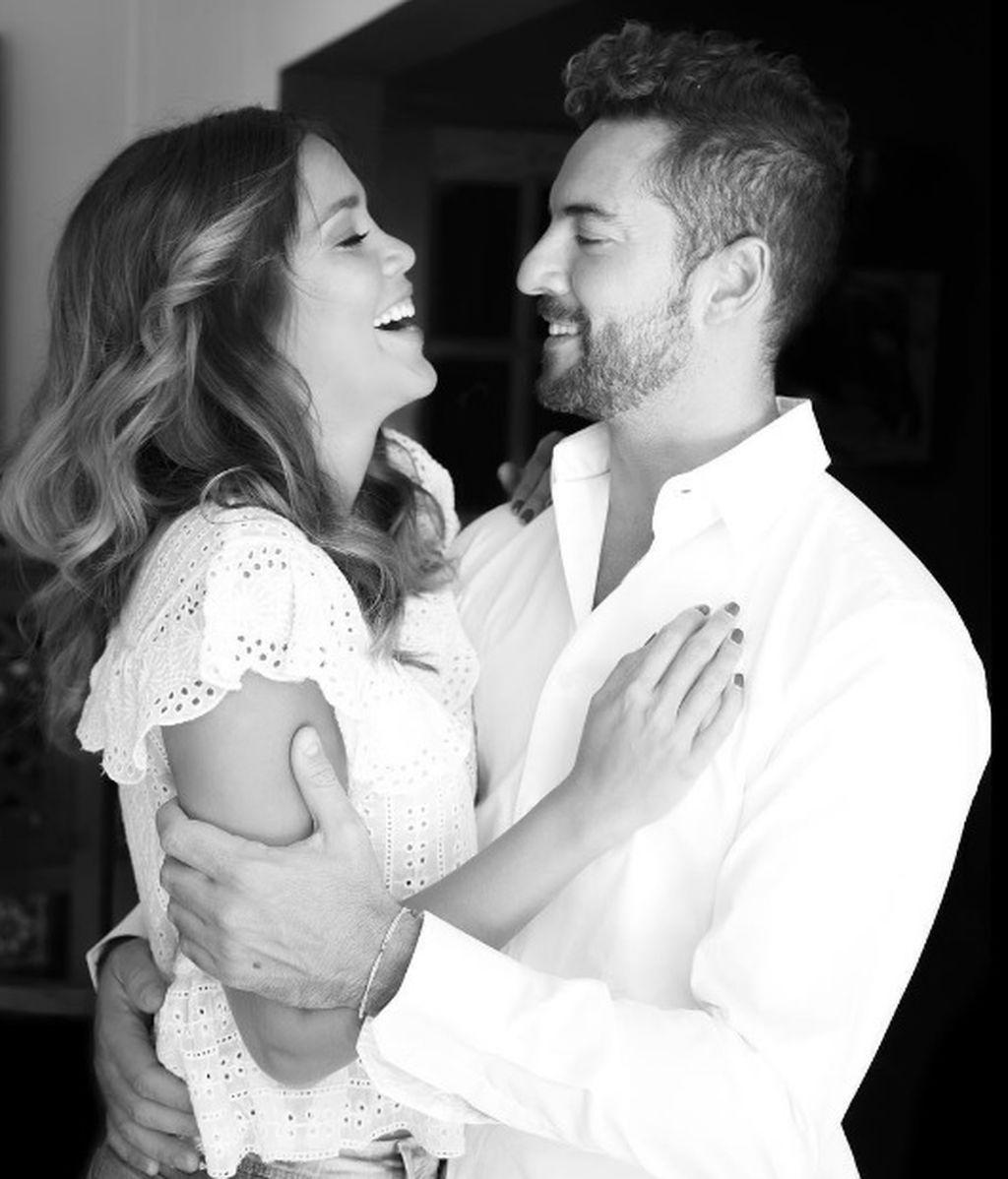 """Bisbal reafirma su amor por Rosanna: """"La felicidad es el camino que hago a tu lado"""""""