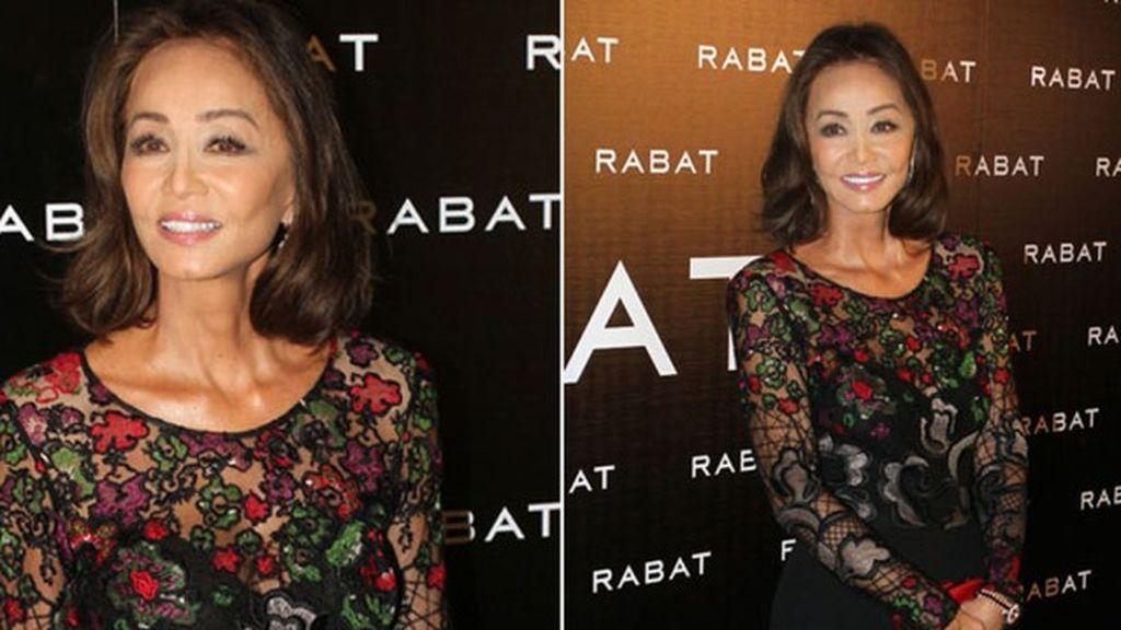 Isabel Preysler 'enjoya' la noche de Barcelona vestida con un mono de Elie Saab