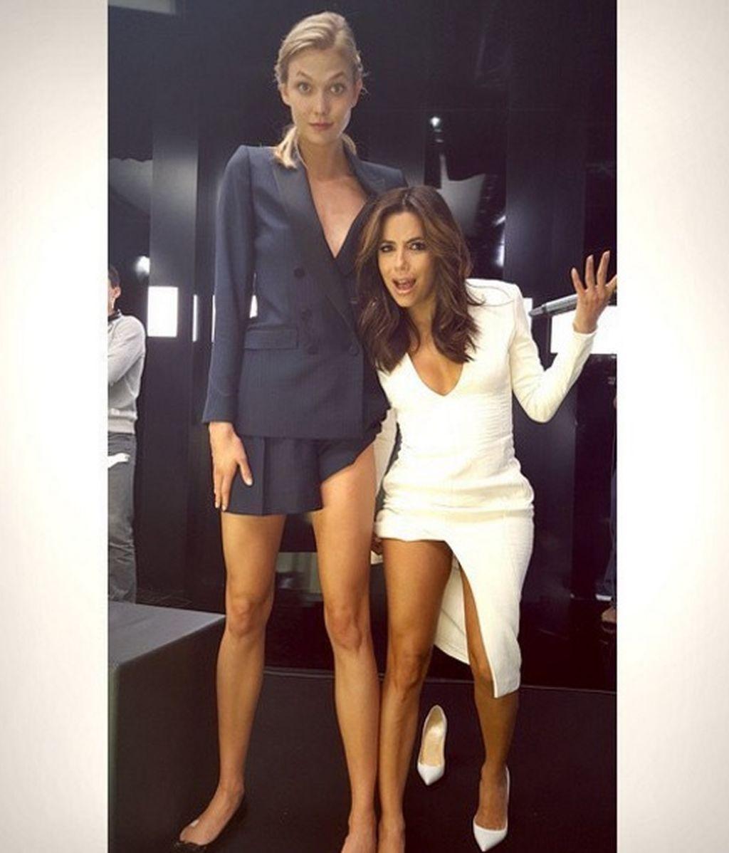 El punto y la 'i': Longoria se toma con humor las diferencias (de altura) con Karlie Kloss
