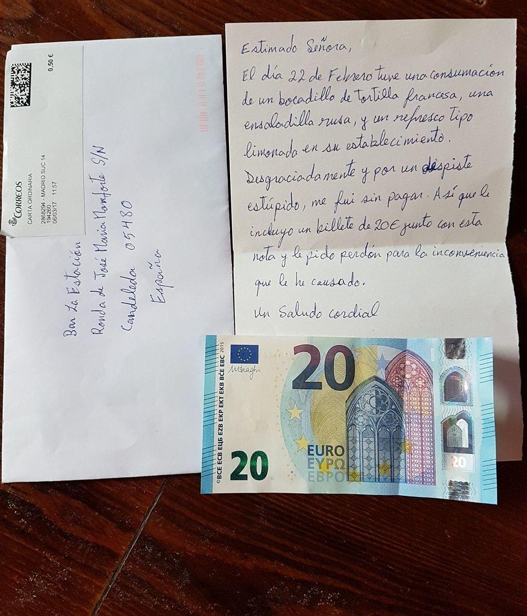 """Hace un """"sinpa"""" en un bar y envía una carta de disculpa con 20 euros"""
