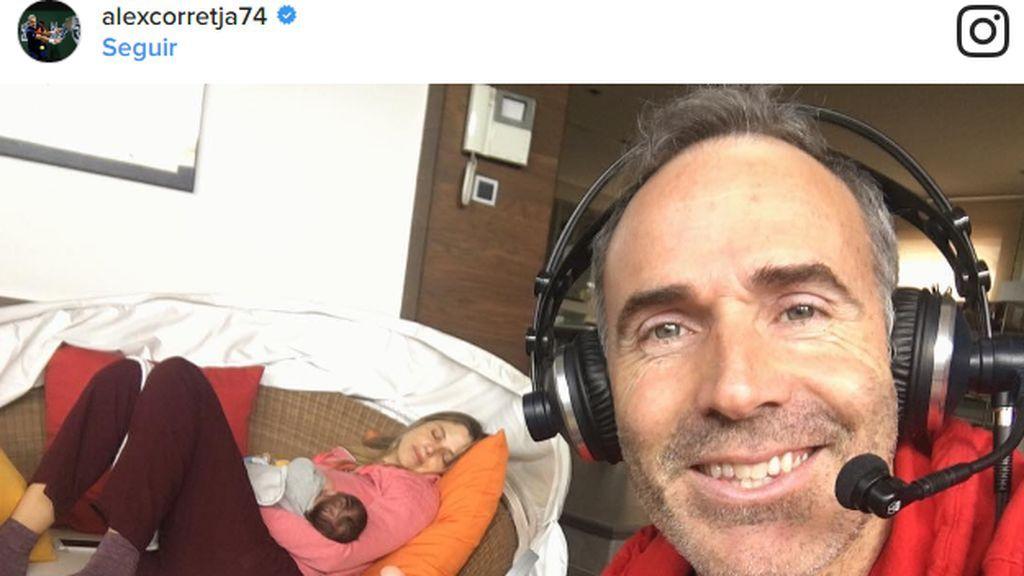 Piececitos, siesta con mamá y más de Érika, la hija de Martina Klein y Álex Corretja 👶🏻👶🏻