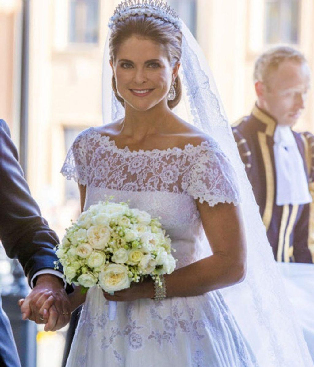 La corona de flores, el accesorio de moda en bodas: cinco famosas, cinco estilos