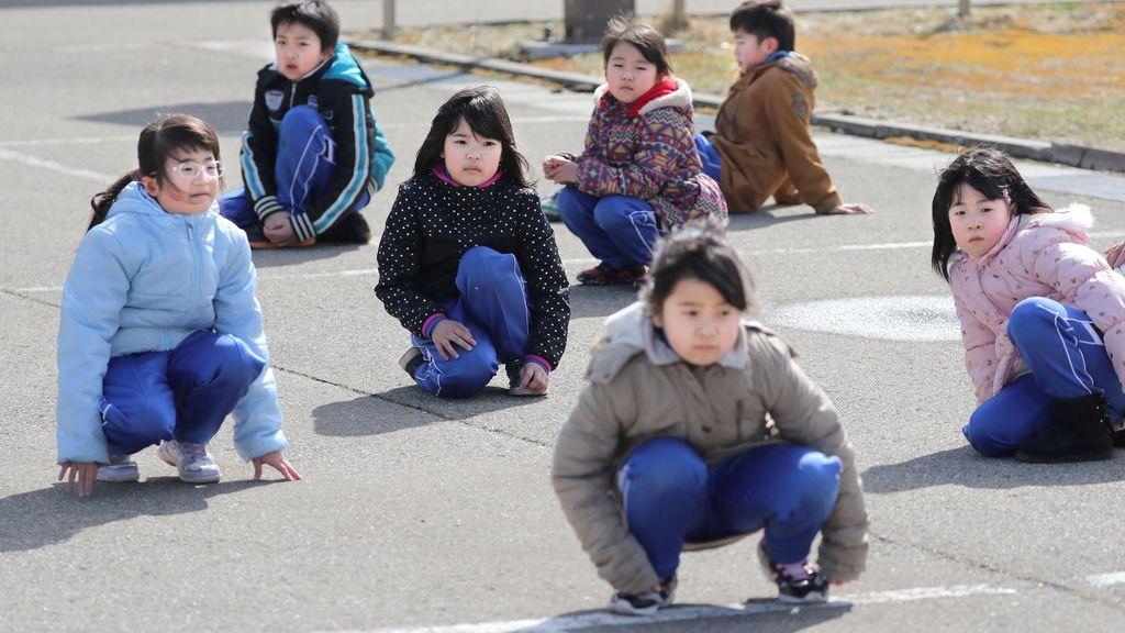 Simulacro de evacuación en una escuela japonesa