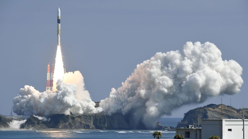 Lanzamiento de un cohete en la isla de Tanegashima