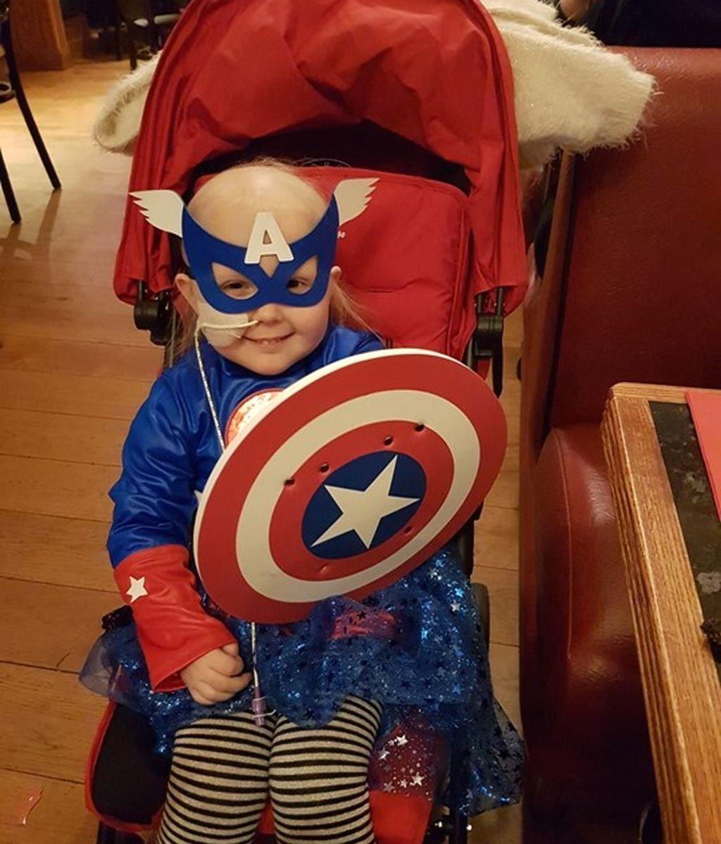 Daisy Wigginton, de cuatro años, le diagnosticaron leucemia hace unos meses