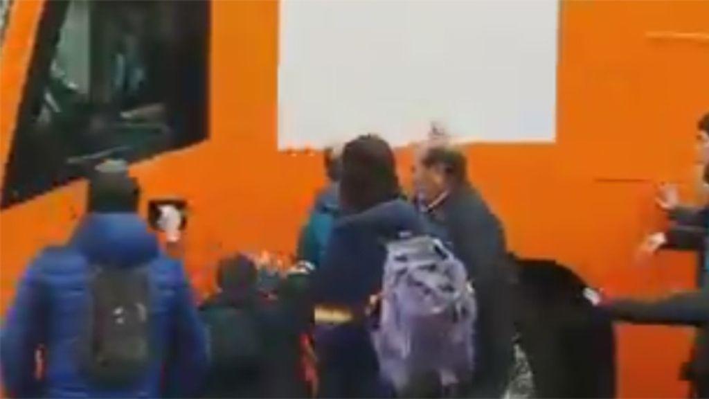 Protesta en Pamplona, Navarra, contra el autobús de Hazte Oír