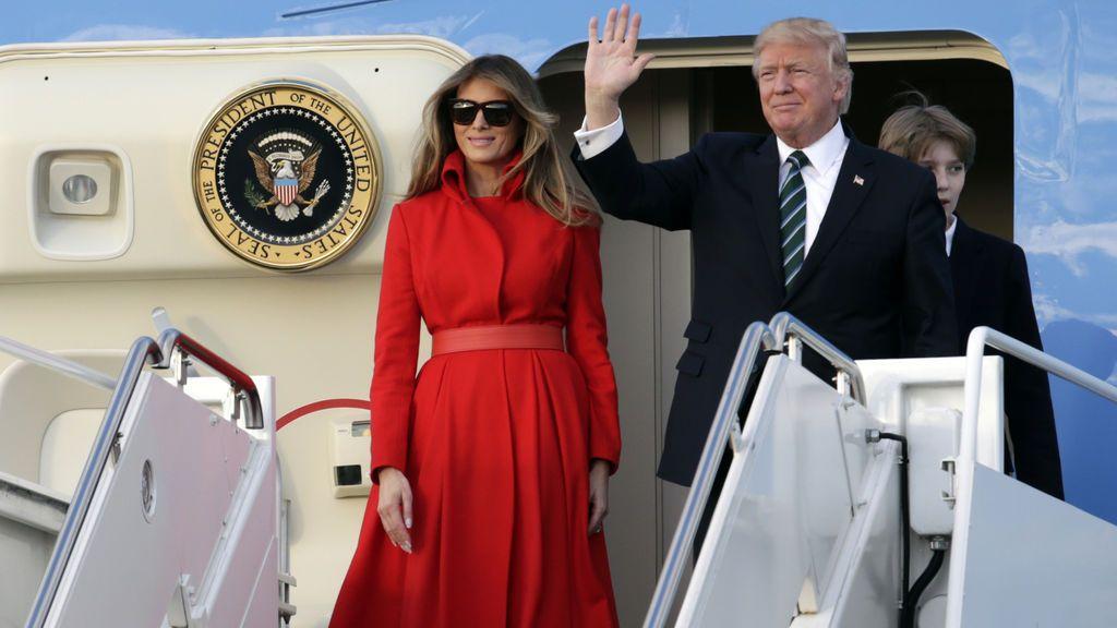 Melania Donald saludo helicoptero