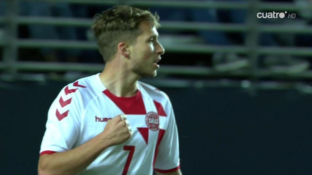 ¡Qué pared en la frontal! Hjulsager se cuela entre los centrales y fusila a Pau López (0-1)