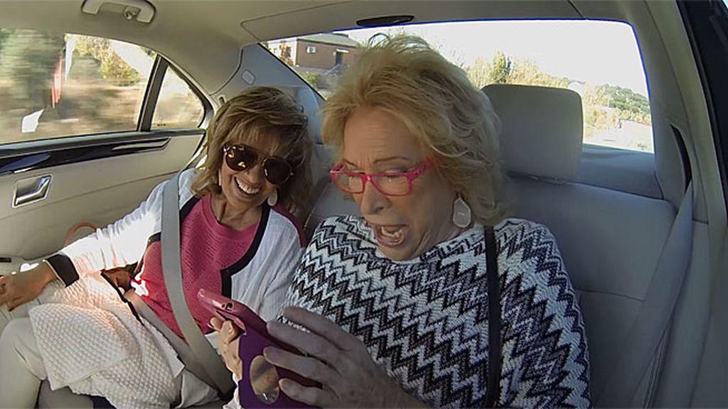 ¡Mª Teresa y su amiga preguntan a Siri por alimentos afrodisiacos para la mujer!