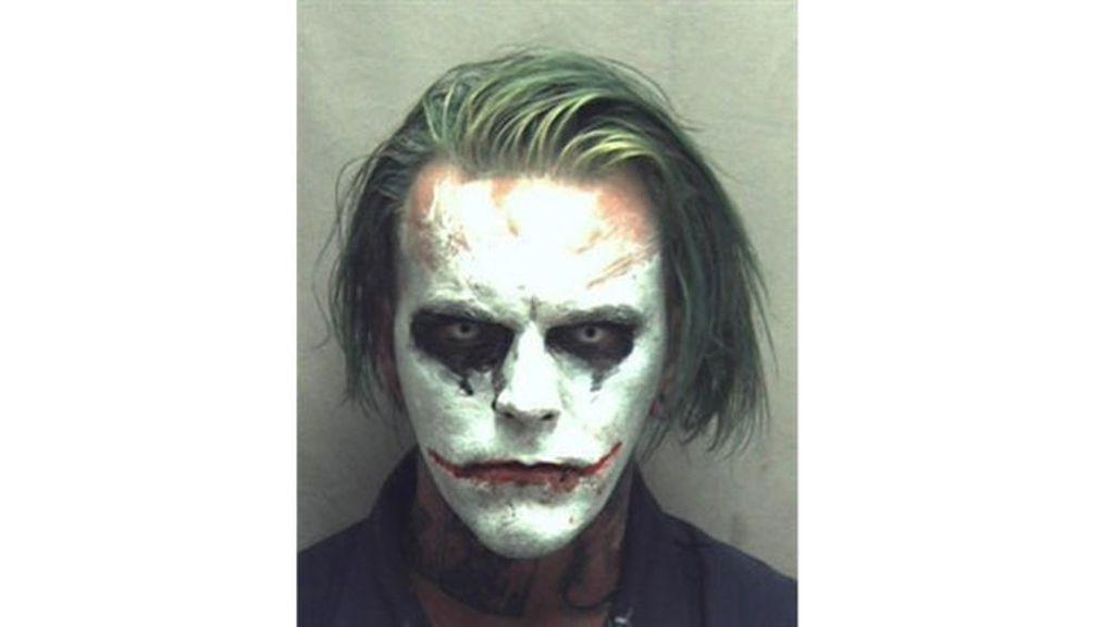 Detenido en Virginia un individuo con una espada y disfrazado de Joker