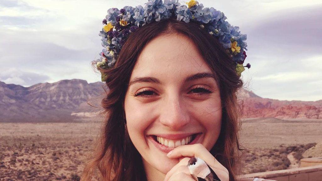 Así es la nueva corona de flores para novia (según María Valverde)