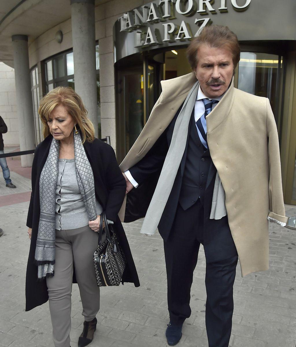 Cristian Galvez, Loles León, ALlba Carrillo... en el útimo adiós a Paloma Gómez Borrero