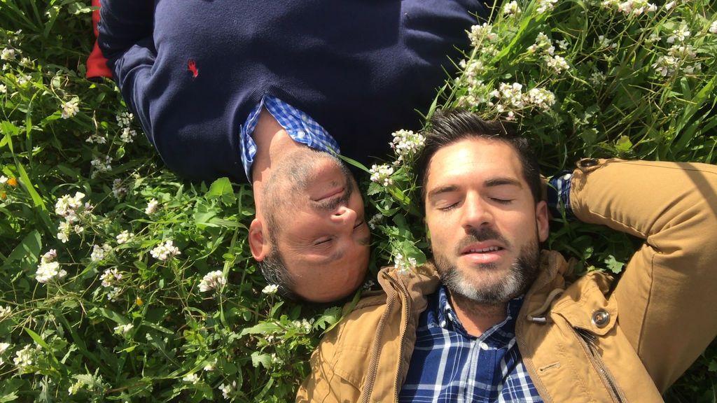 Nacho y Roger, una casita con naranjos, un huerto y una alberca ¿su sueño se cumplirá?