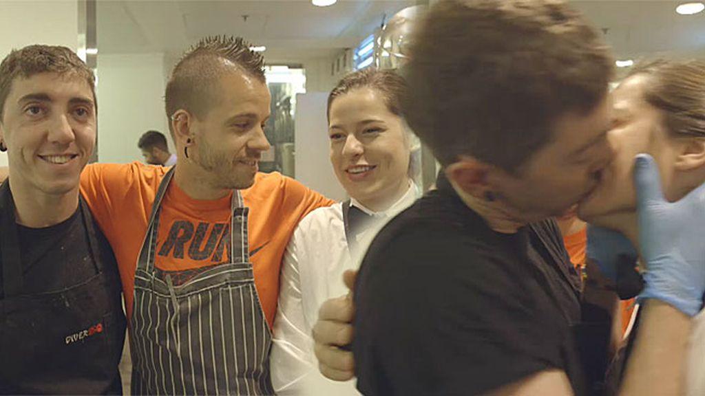 En las cocinas de Dabiz Muñoz... ¡También se cocina amor del bueno!