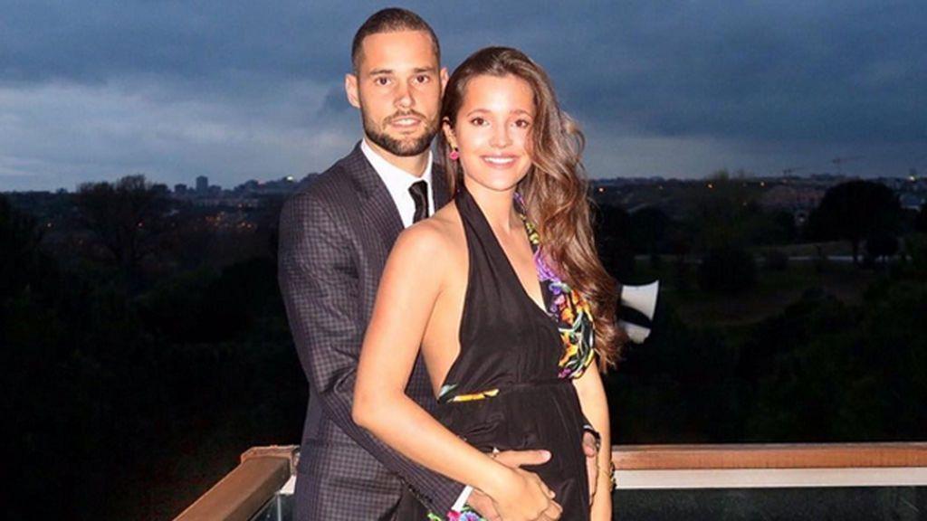 ¡Malena Costa y Mario Suárez anuncian el sexo y el nombre del bebé que esperan!