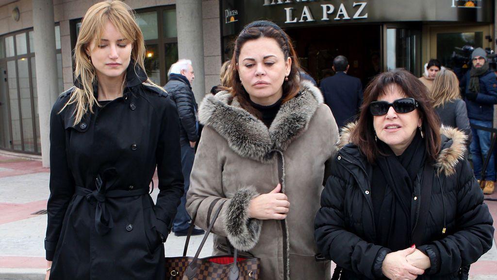 Alba Carrillo, Teresa Bueyes y Loles León