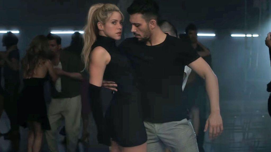 Reguetón, vallenato y ahora bachata con Prince Royce: Shakira instruye en 'latin style'