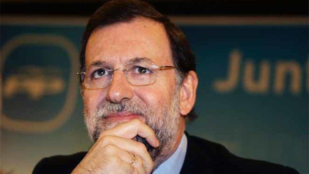 Rajoy señala a los parados y a López como los perjudicados del pacto con PNV