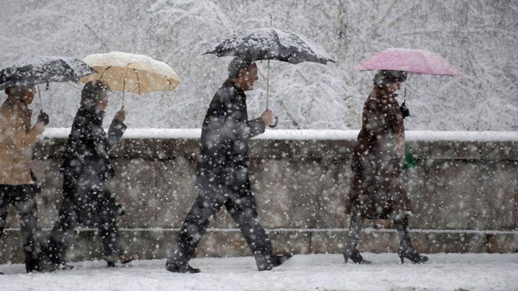 Un total de 14 provincias activan la alerta por lluvia, nieve, viento o fuerte oleaje