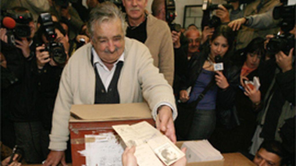 José Mujica, favorito en las elecciones presidenciales de Uruguay