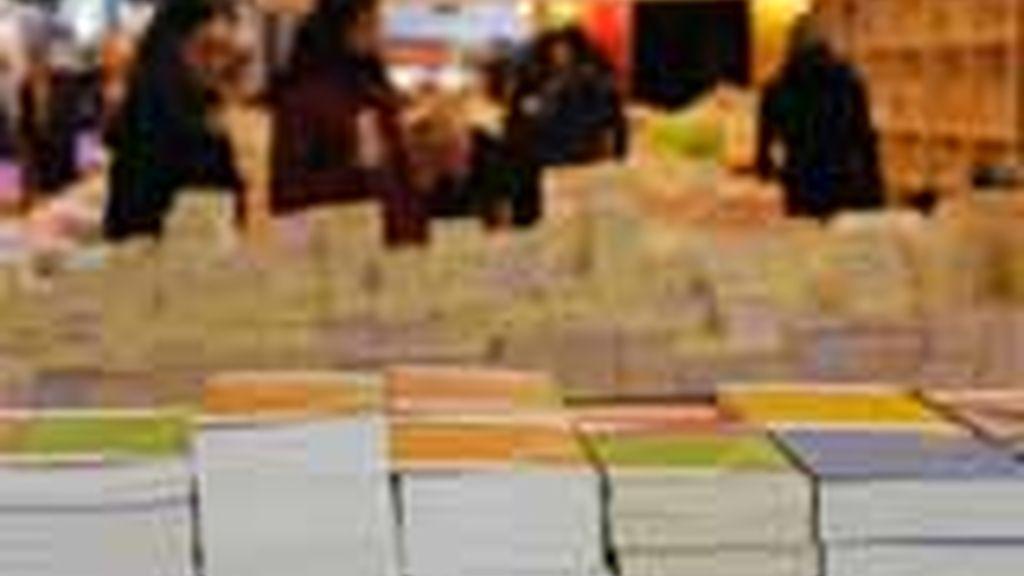 Un puesto de la Feria del Libro de París