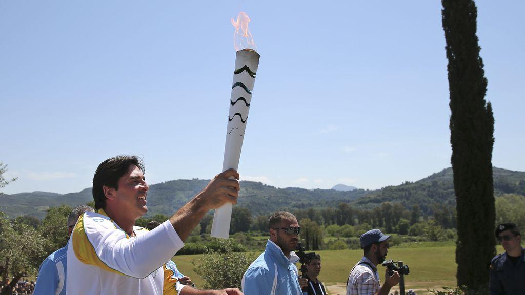 La ciudad griega de Olimpia dio la salida a los 35.000km hasta Brasil
