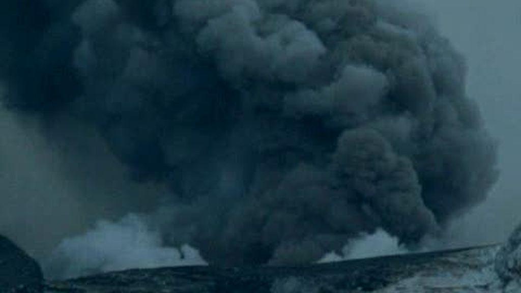 El magma de volcán mantiene en alerta al oeste de Europa