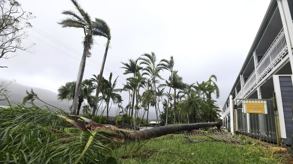 El ciclón Debbie azota Australia