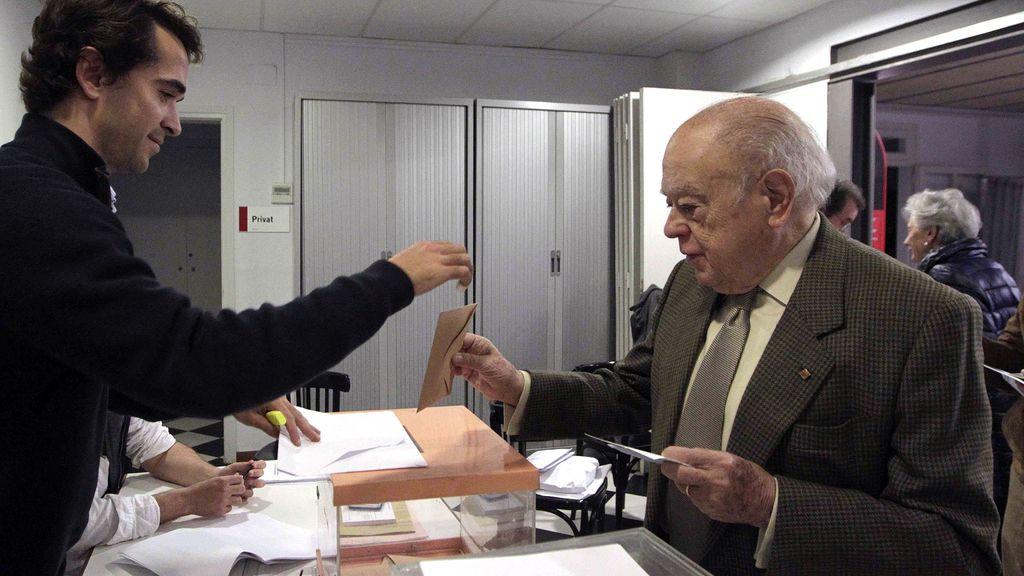 Pujol votando en las Elecciones Generales del 20D