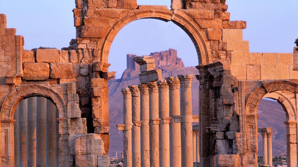 El Estado Islámico destruye con explosivos el Arco del Triunfo de Palmira